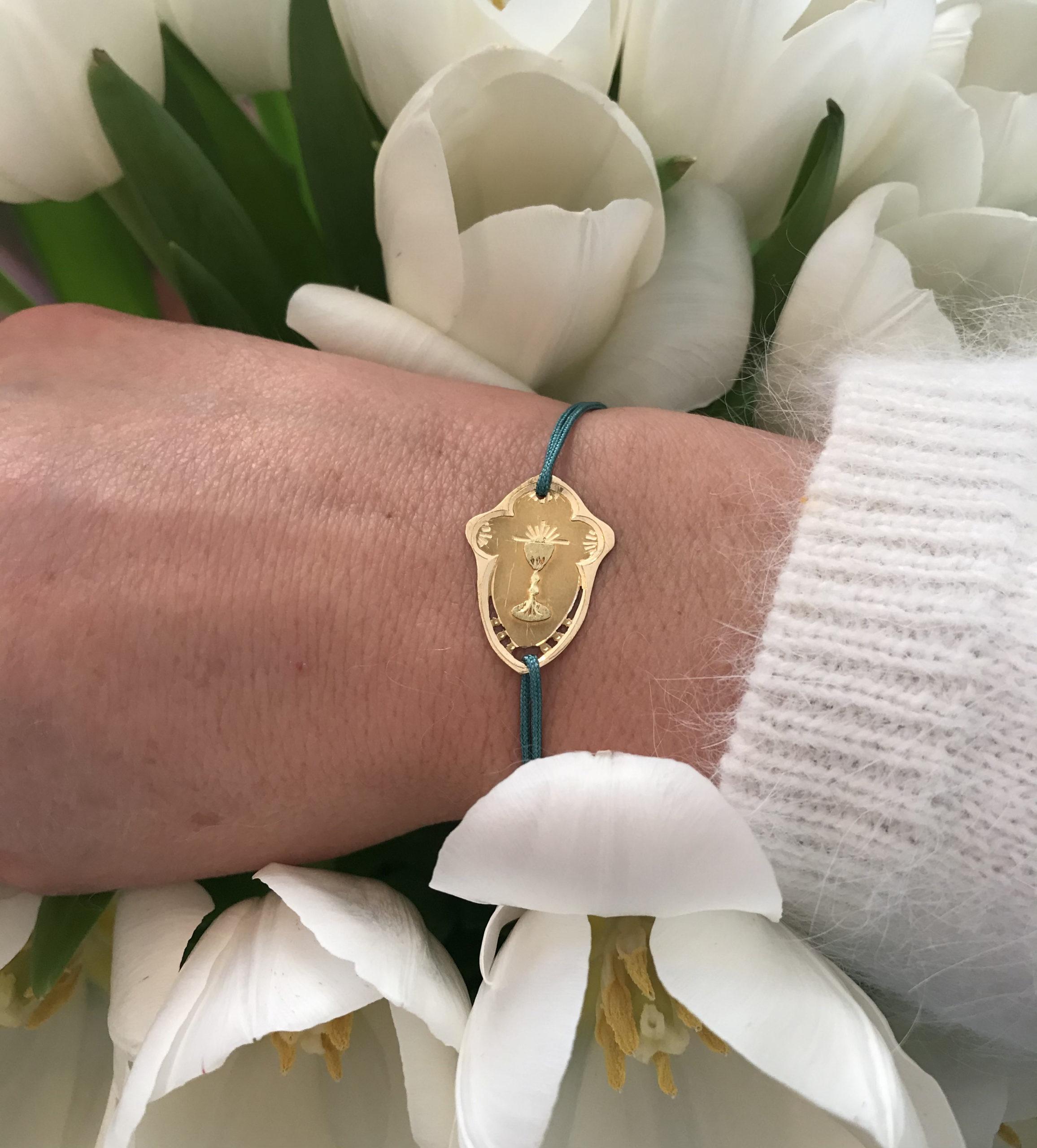 Bracelet médaille premier communion en or jaune